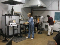 Glassblower.Info BCCC Glassblowing Class Photo 11-Apr-02 003 - Glassblower photo by Tony Patti