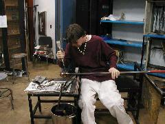 Glassblower.Info BCCC Glassblowing Class Photo 11-Apr-02 071 - Glassblower photo by Tony Patti