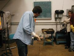 Glassblower.Info BCCC Glassblowing Class Photo 24-Apr-02 018 - Glassblower photo by Tony Patti