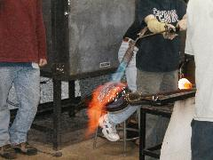 Glassblower.Info BCCC Glassblowing Class Photo 24-Apr-02 056 - Glassblower photo by Tony Patti