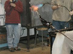 Glassblower.Info BCCC Glassblowing Class Photo 24-Apr-02 070 - Glassblower photo by Tony Patti