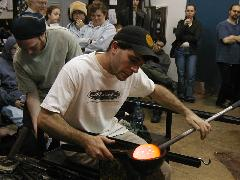 Glassblower.Info BCCC Glassblowing Class Photo 24-Apr-02 081 - Glassblower photo by Tony Patti