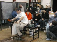 Glassblower.Info BCCC Glassblowing Class Photo 24-Apr-02 084 - Glassblower photo by Tony Patti