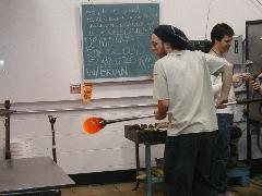 Glassblower.Info BCCC Glassblowing Class Photo 24-Apr-02 090 - Glassblower photo by Tony Patti