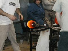 Glassblower.Info BCCC Glassblowing Class Photo 24-Apr-02 096 - Glassblower photo by Tony Patti