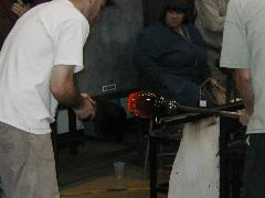 Glassblower.Info BCCC Glassblowing Class Photo 24-Apr-02 102 - Glassblower photo by Tony Patti