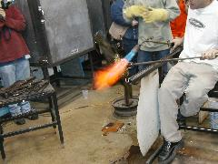 Glassblower.Info BCCC Glassblowing Class Photo 24-Apr-02 128 - Glassblower photo by Tony Patti