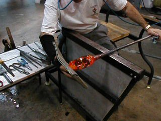 www.glassblower.info Tony Patti Glassblowing video movie at Corning Museum of Glass CMOG