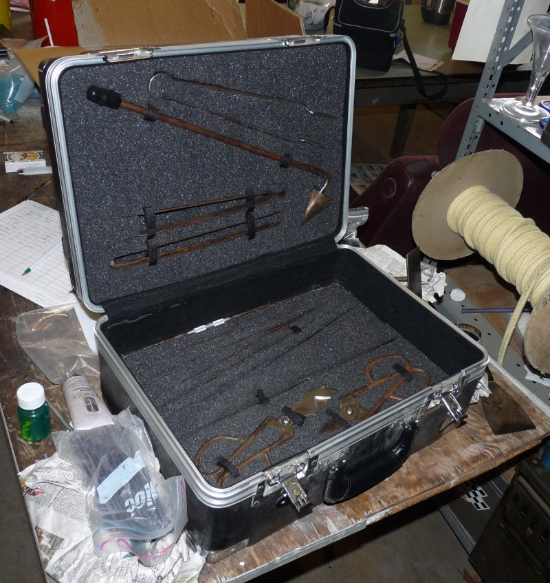 Glassblower.info - Glassblowing Tool Boxes - Jamestown Off-site Toolbox