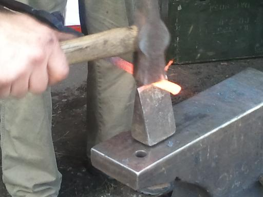 glassblower.info David Woodward Blacksmith - railroad spike (rail spike) glassblowing raking tool - photo 01
