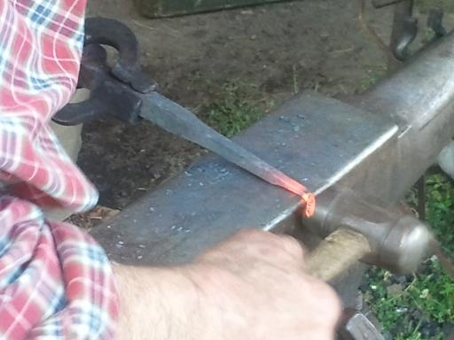 glassblower.info David Woodward Blacksmith - railroad spike (rail spike) glassblowing raking tool - photo 14