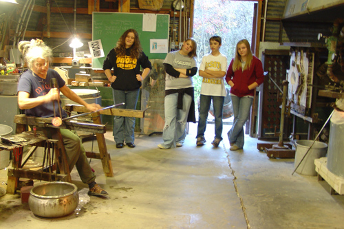 www.Glassblower.info image for DO U GLASS Hot Shop @ The Douglass School Art Place